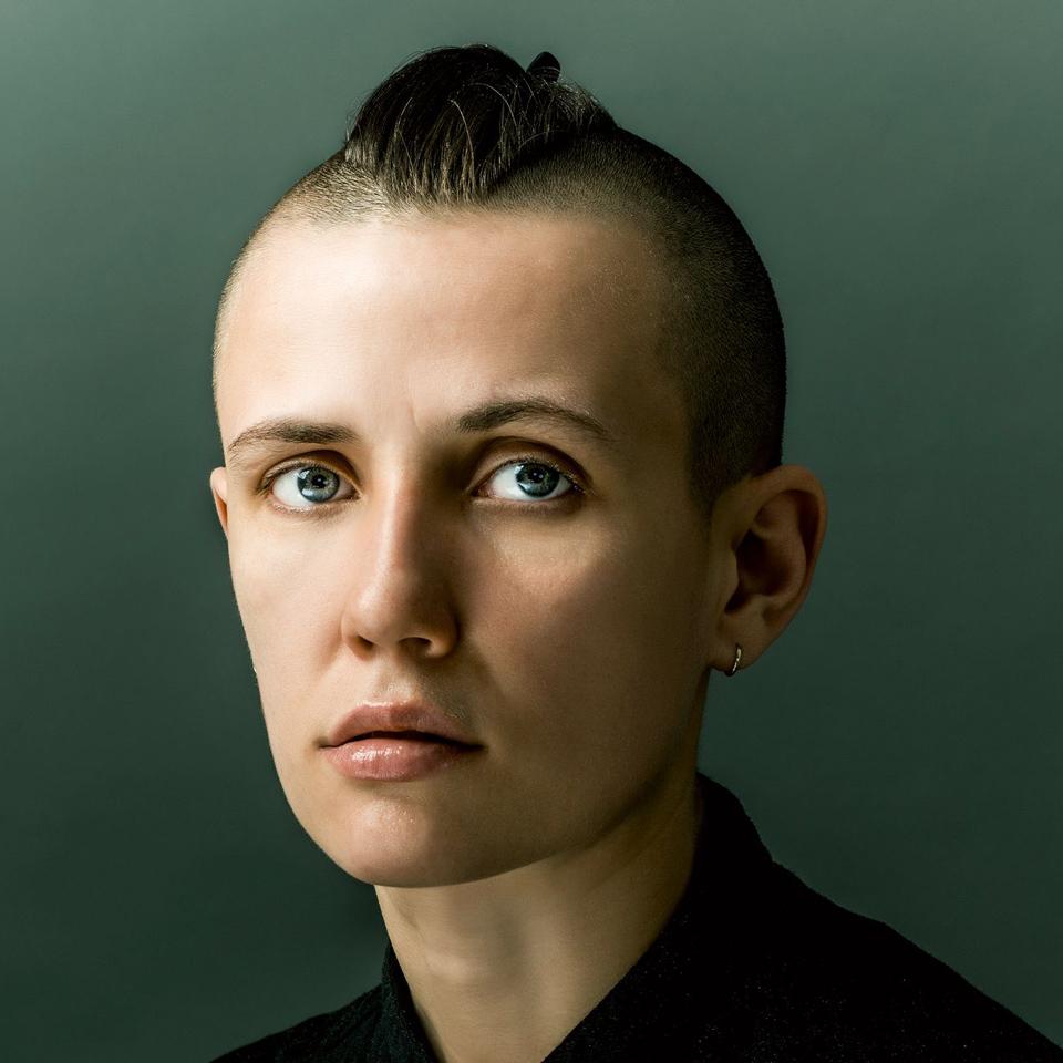 Artist photo of Josefin Winther | The EP «Helt Hel» was mixed by Jonas Kroon – Music Mixer, Mixing Engineer, Mix Engineer | #mixedbykroon